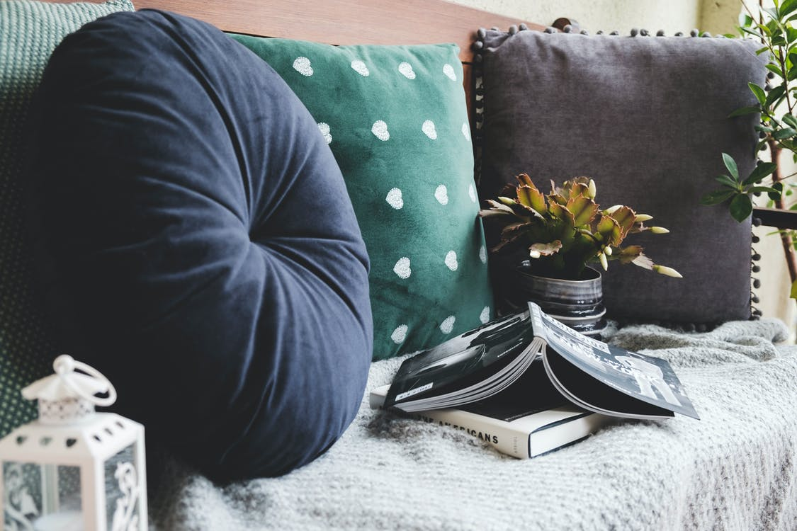 Select Ideal Cushion Covers to Match to Your Home Decor Themes